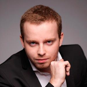 Актер, режиссер, фокусник-волшебник Павел Михайлов